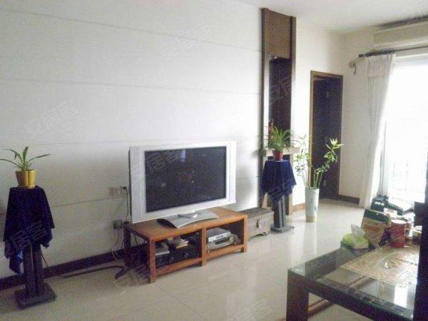 豪华装修四房两厅160平方租7000元 月,居住环境首首选