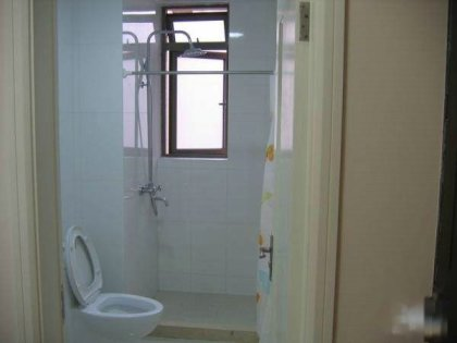 铁口高档公寓精装修一室户全配出租,小区环境好,居住舒适高清图片