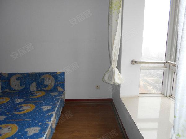 易初莲花旁边 星沙教师公寓 三室中装 只租1600