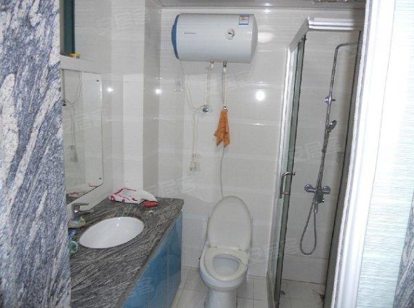 小区:白马湖小区(江虹路南)配置:床、电视、空调、冰箱、热水
