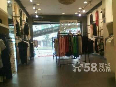 抚琴70平米服装店转让,一环路中医学院附近商铺出租,8300高清图片