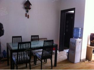 127平米的大房子出售,简单装修,自己买上随心所欲的装吧 爱房