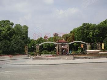 ,内环内世纪公园旁,别墅区顶楼复式,样板房出售,送原装修配置
