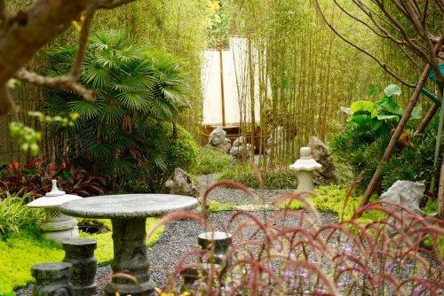 欧式艺术景观小品,烂漫盛开的花圃……园林秘境渐次呈现