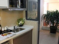 厨房的采光和通风效果,面积大约2平米左右,可以摆放洗衣机.
