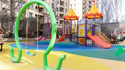 这个小区里竟有个私家儿童游乐园,以后溜娃再不发愁!图片