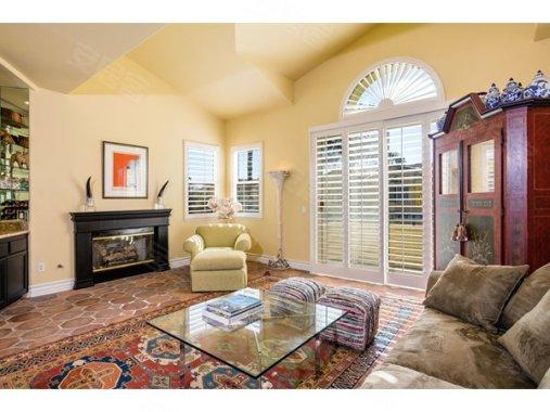 马里布Malibu公寓在售124.50万美元房价,户型小红帽皂图片