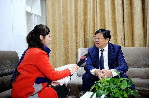 """投资建设单位南阳市鑫阳置业有限公司董事长罗爱平说:""""商业繁盛是城市"""