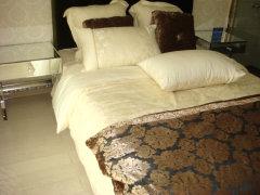 一楼客厅整体情况,因为二楼只设计有一个卧室,所以空间较大.
