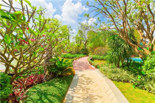 以精致典雅的欧式园林为依托    加入水台阶典雅亭阁景观小品等