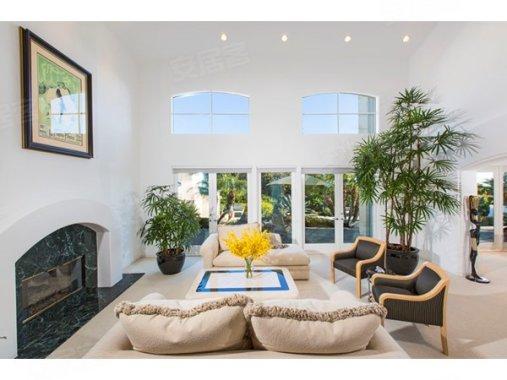 马里布Malibu户型在售565.00万美元房价,房屋钛合金实木门室内图片