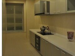 厨房:一字型厨房设计,连接小型阳台,阳台可做为储物间使用,