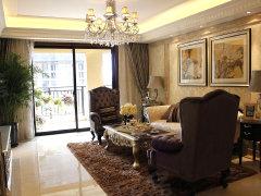 客厅:此套户型的客厅南北通透,采光和通风效果十分不错.大