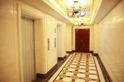源自德国,蒂森克虏伯品牌电梯,考虑日常生活安全所需,结合医用担架