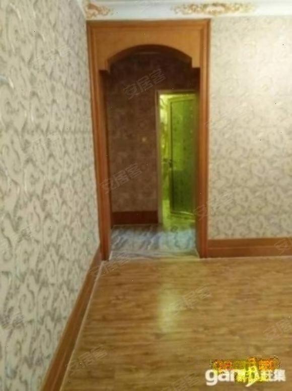 北二环豪装两室80平三楼大阳台采光好送车位地下室