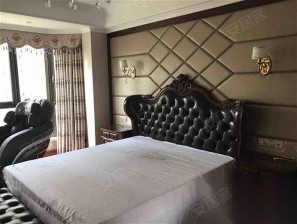 青林湾八期全新220平豪装150万售价550万二手房