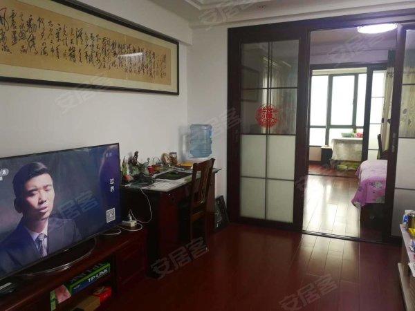 星河晨光70年产权公寓,全新装修2室1厅,家具家电99万二手房