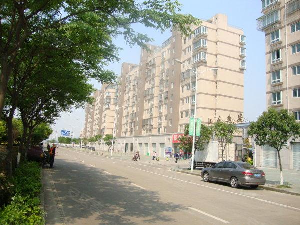 江南逸庭东首二室二厅一卫客厅带阳台二手房