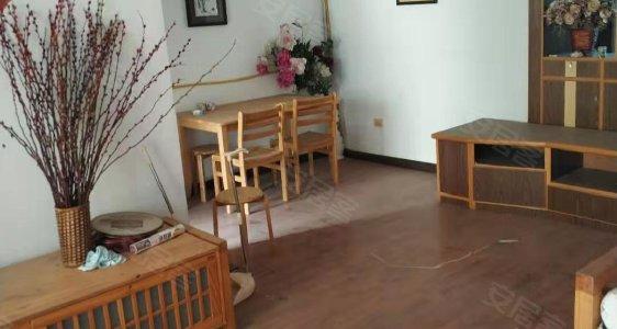 忠诚花苑 精装修三房,中间楼层,小区环境好,有钥匙