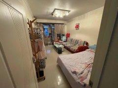 北京石景山鲁谷鲁谷永乐小区2室1厅,精装修,朝南向,近地铁万达,交通便利出租房源真实图片