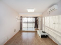 北京朝阳望京大西洋新城正规两居室 房间保持好 配套齐全 看房方便出租房源真实图片