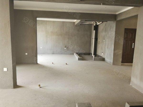 银泰城135平白坯南北四房东首全亮急售有钥匙二手房
