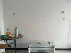 琅瑚街小区  双人床 热水器 简单家具