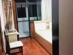 永泰东里出租精装主卧阳台,包物业取暖,可洗澡做饭,随时看房