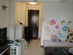 价格便宜,2个卫生间,上下复式楼,家电齐全拎包入住,随时看房