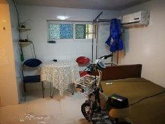 同济家园车库诚意出租。拎包可住,只需500元/月