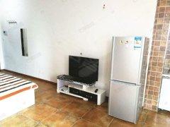 房子是精装修的 可短租 可季度付 电梯房
