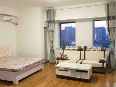 万达公寓 对面是凯旋苏宁广场   出行方便   首  次出租
