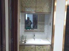 商贸城惠民小区电梯房 两室 新装修 家具家电齐全拎包住