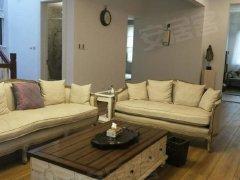 龙湖300平米独栋 全新装修 家具齐全 干净整洁 居家自住