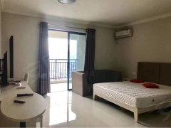 阳光国际公寓,拎包即可入住,豪华装修,交通便利,仅1200。