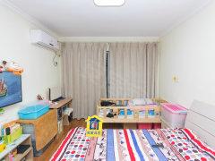 长江北路欧尚旁 金海里楼层好精装一室 出行方便 拎包入住可谈