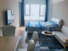 精装修 豪华 月租房屋 可以短租 铂金时代