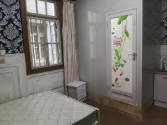 精装卧室 宽敞大方 让你住的有格调 利泽中园