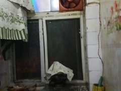 西泊子教堂附近 3/8 简单装修 床 热水器 洗衣机 电视