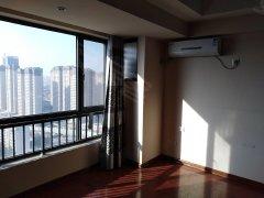 万达公寓,精装修,空调,电热水器,包物业费。