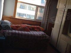 友谊北街兴隆小区5层3室1厅120平米家具、淋浴1000元。