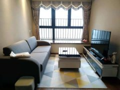 新地中央有一房一厅户型,带厨房阳台,急租2100,家电齐全