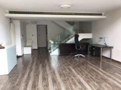 誉天下租售部 业主重新铺设地板 房屋状况非常棒!诚意出租
