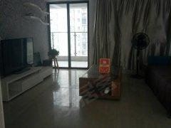前进公社精装修,3房2厅2卫家私家电齐全租3600.