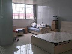 聚德楼精装单身公寓,家私家电齐全,拎包即可入住,月租900
