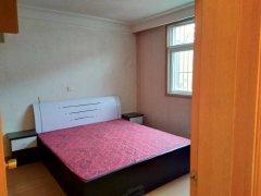 万达斜对面的莲花四区4楼3室2厅中装设施齐全急租价可议带车库