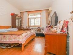 抢手好房,环境绿化优雅,全新家具莲花
