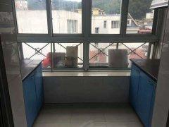 建工28路站点附近 床 衣柜 热水器 干净整洁 4楼