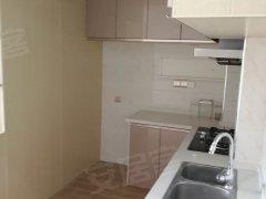 精装公寓一室一厅,家具家电全带,拎包入住,出门地铁口