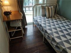 立减3400 小资生活公寓,精装干净贴心 龙富花园